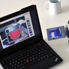 Ein Laptop und eine Thermographiekamera